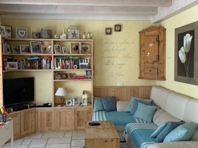 Villa for holidays with shared swimming pool on Garda Lake