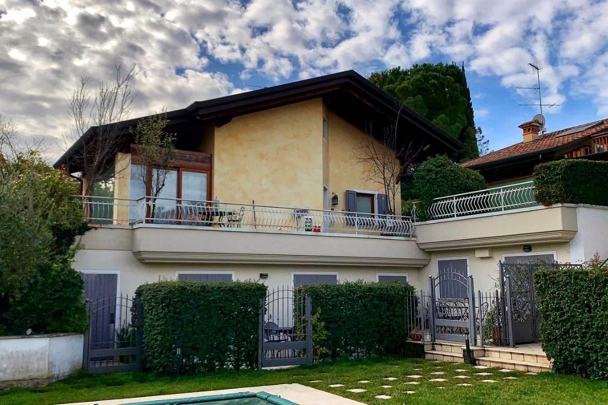 Casa vista lago di Garda